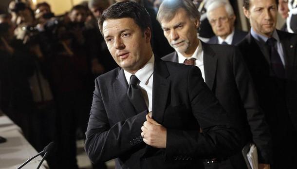 Renzi: sullo spacchettamento del referendum decidono le Corti