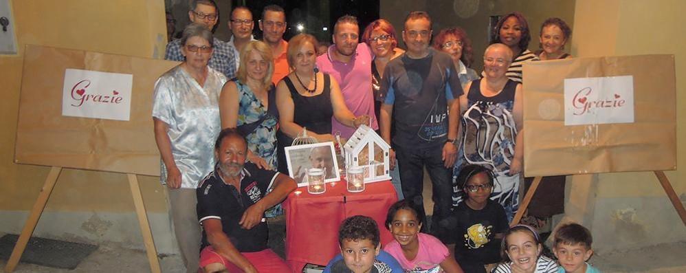 Vertemate, con una cena solidale  i vicini aiutano la famiglia senza casa
