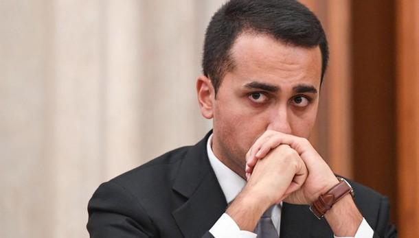 Di Maio a Renzi, stop balle o forconi