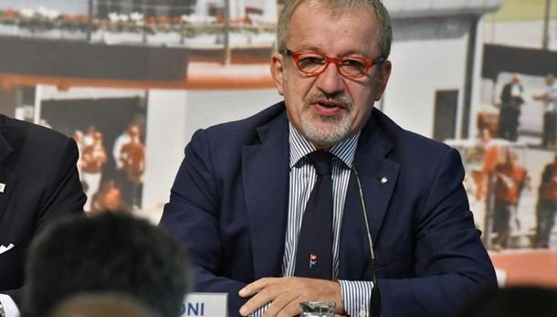 Fisco: Maroni, in Lombardia abolite le cartelle esattoriali