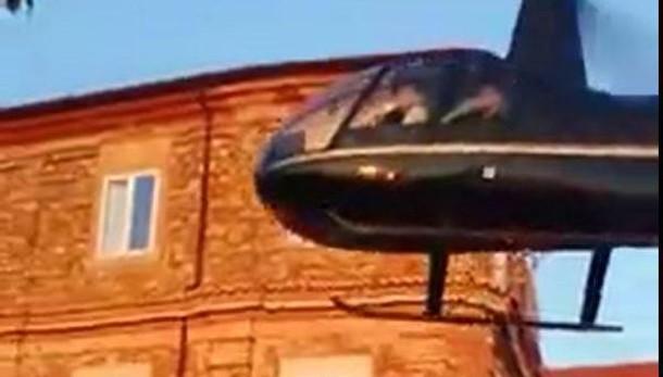 Sospesa licenza a pilota elicottero per matrimonio nipote del boss