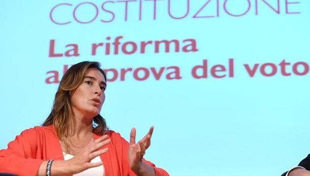 Referendum, Boschi contestata a Bologna da studenti e insegnanti