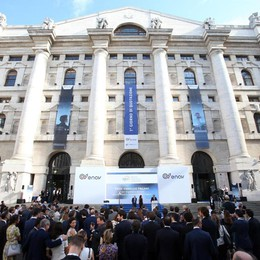 Borsa: Milano chiude in rialzo (+0,54%)
