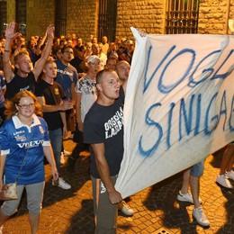 «Rivogliamo il Sinigaglia» Tifosi del Como in piazza