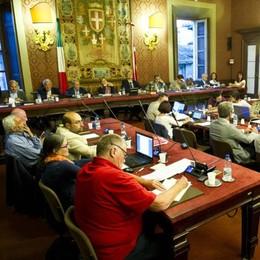 I redditi dei politici comaschi: Bordoli la più ricca, Lucini dichiara 47mila euro