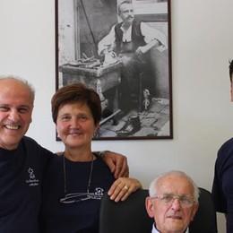Gerosa, cento anni dietro il bancone  Che festa per lo storico commerciante