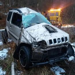 Auto ribaltata in Valle Intelvi  «Colpa del ghiaccio e di un cervo»