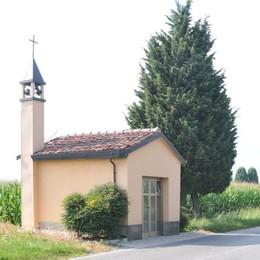 Rovello, stavolta vincono i cittadini  «La chiesetta non sarà spostata»  La curiosità: come un Don Camillo