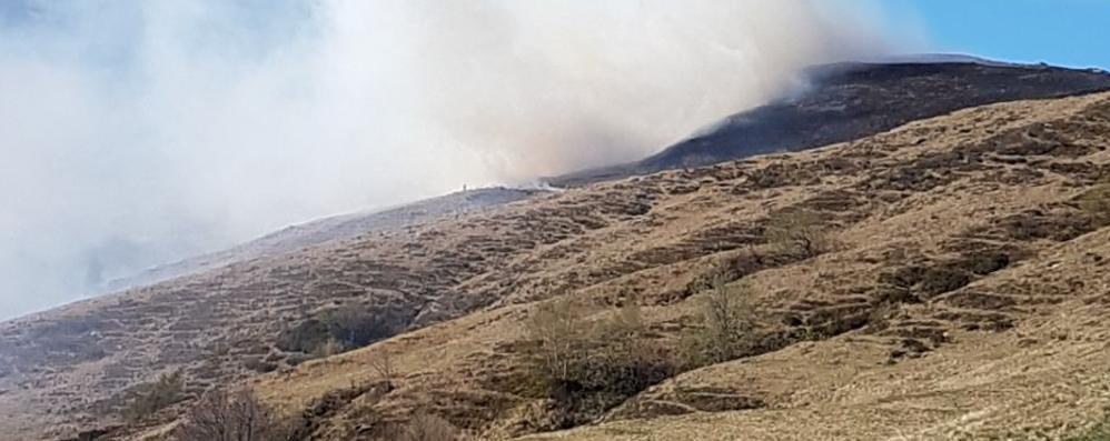 Bruciano la Val Rezzo  Rogo di 40 ettari