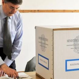 Elezioni, a Como  Sfida a colpi di maxi poster  Vota il nostro sondaggio