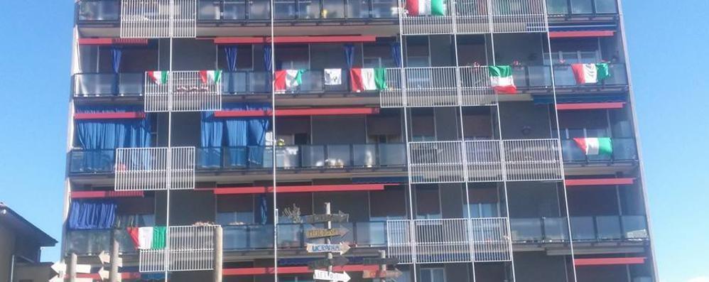 Arosio, striscioni e bandiere   si mobilita per il saluto al Giro