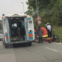 Lurago, ciclista urtato da un'auto  Attimi di paura all'uscita dello svincolo