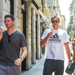 Gallinari, metti un campione Nba a far shopping in centro a Como