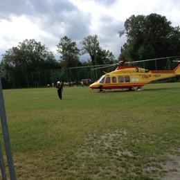 Carbonate, bimbo investito  Interviene l'elicottero
