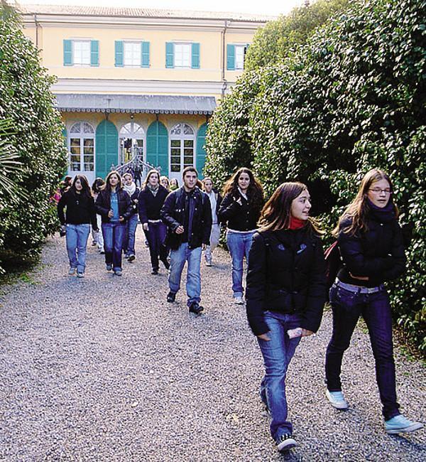 Settimana corta al liceo porta lo decidono gli studenti - Liceo carlo porta erba ...