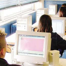 A Como la prima scuola  che è interamente digitale