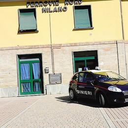 Minaccia  due ragazzi in stazione  Arrestato, condannato e libero