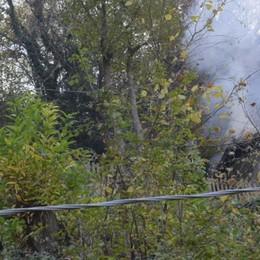 Incendio nella cascina  Mobilitazione a Torno