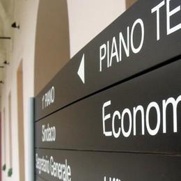 Fannullone scoperto a Cantù  «Se ha sbagliato paghi»