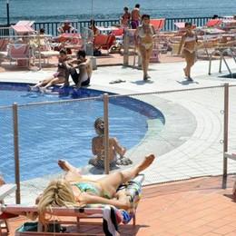 Dai campi di calcio ai tuffi in Riva  A Inexere le piscine di Cernobbio