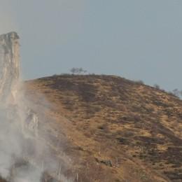 Tre giorni di incendi  Devastata la  Grona
