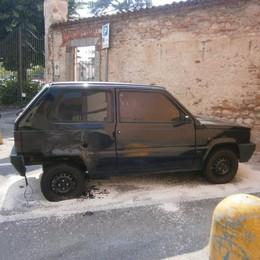Due auto bruciate a Mariano  Subito dopo la finale Champions
