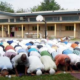 Islamici in festa a Cantù  Proteste della Lega