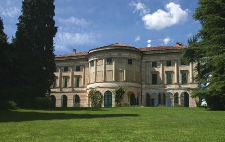Anzano, Villa Carcano apre il parco