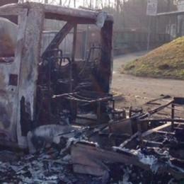 Camper bruciato a Cagno  Sospettato un minorenne