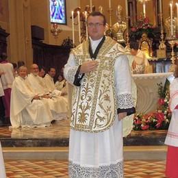 Merone, benvenuto al nuovo parroco  La prima volta di don Marco