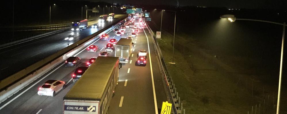 Autostrada bloccata per lavori  Coda chilometrica verso Milano