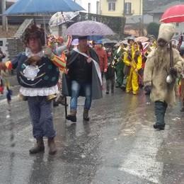 Il carnevale di Schignano Ultimo atto sotto il diluvio