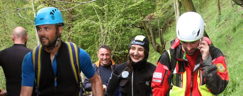 La donna salvata nel torrente  «Grazie, temevo di non farcela»