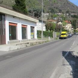 San Fedele, asfaltata la strada   Il grazie dei ciclisti: «Basta cadute»