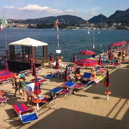 Bagno nel lago solo a Villa Olmo  Altrimenti multa di 500 euro