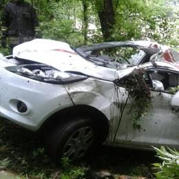 Barni, nel bosco con l'auto Si ribalta ma si salva