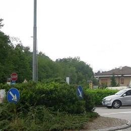 Lambrugo, stop alle prostitute in strada  «Multa fino a trecento euro per i clienti»