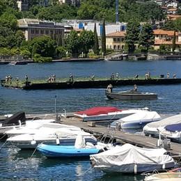 Esercitazione militare  Ponte mobile in mezzo al lago   Video in galleria Video, il prefetto