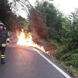 Giù pianta, tubo in fiamme  Chiusa la Domaso-Vercana