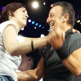 Sul palco insieme a Springsteen  Il sogno di Maria Giovanna è realtà   GUARDA IL VIDEO
