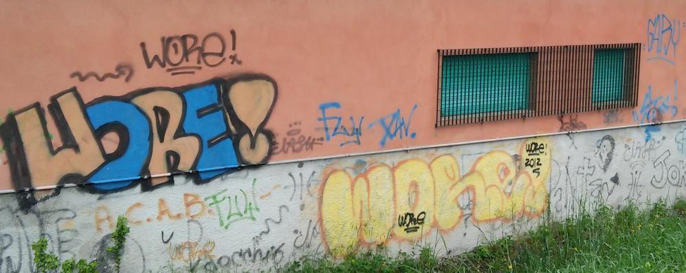 Olgiate, la sfida dell'Avis ai vandali  «Questa parete sarà un murales»
