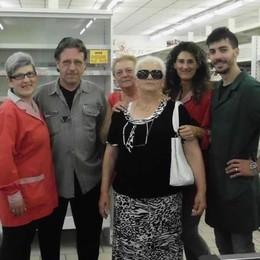 Guanzate, chiuso l'unico supermercato   Navetta porta gli anziani a far la spesa
