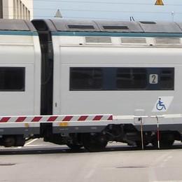 Erba e Milano più lontane per un mese  Soppressi 14 treni sulla linea per Asso