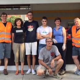 Sindachessa con i volontari  Tutti a pulire al parco di Cabiate