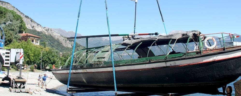Pianello, ultimo viaggio della gondola Giulia è all'asciutto nel museo