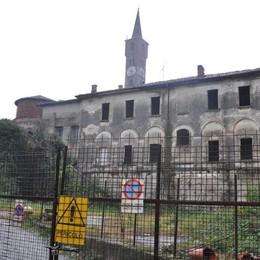Pietrasanta, terza asta deserta  Il rischio: rudere eterno a Cantù