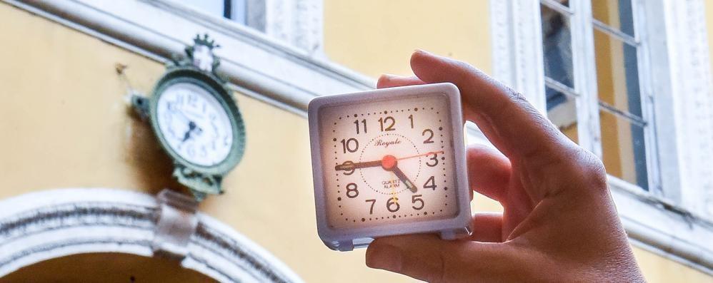 A Como il tempo si è fermato: 29 orologi su 33 fuori uso da mesi