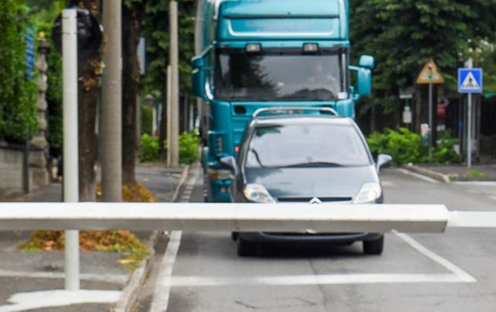 Caos per i passaggi a livello chiusi  Anche Fino teme l'incubo traffico