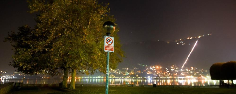 Disastro lampioni  Buio ai giardini  e allarme sicurezza