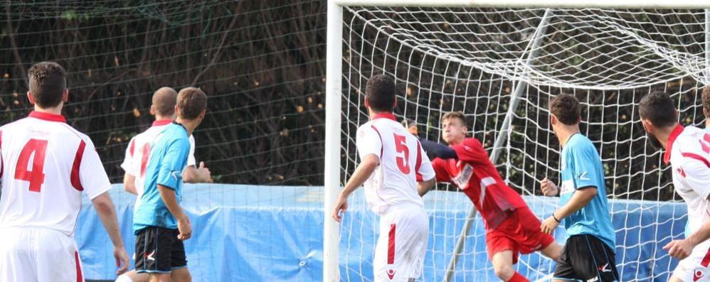 Calcio dilettanti in campo  Bell'esame per Cantù